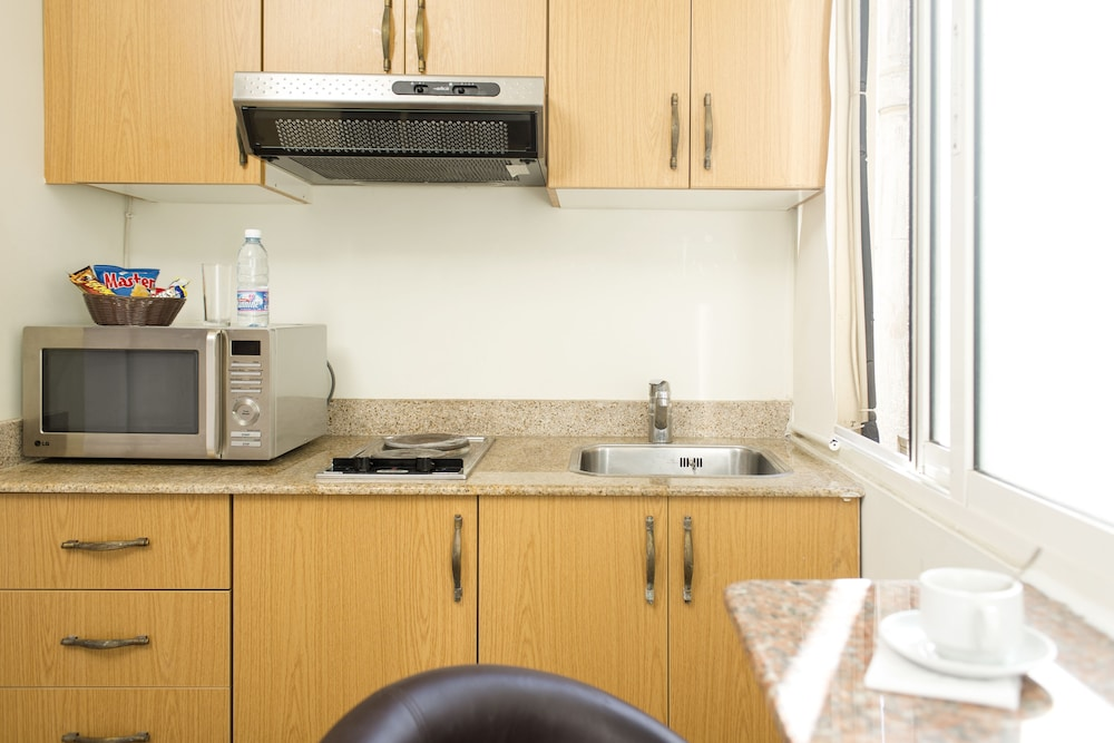 Private Kitchenette, Bliss 3000 Furnished Studios