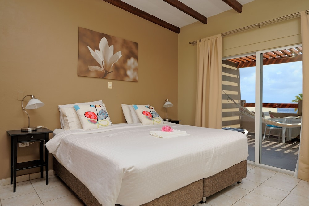 Room, Eden Beach Resort