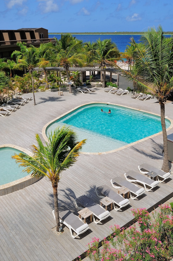 Outdoor Pool, Eden Beach Resort