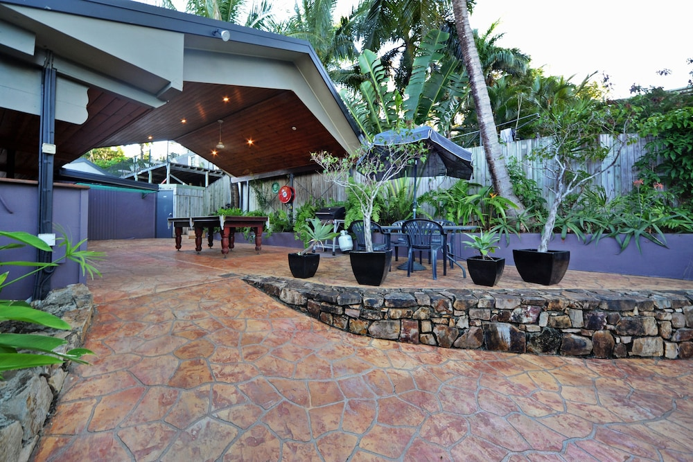 Property Grounds, Airlie Beach Motor Lodge