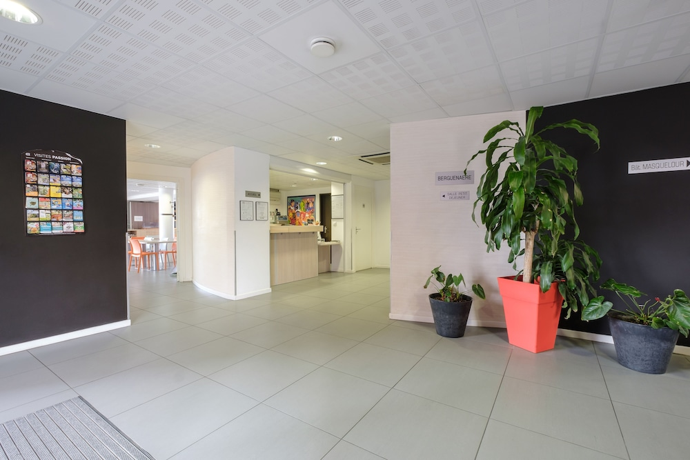 Interior Entrance, All Suites Appart Hotel Dunkerque