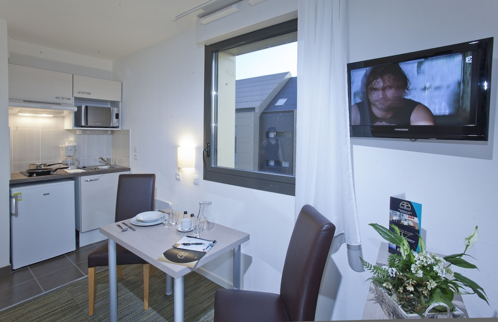Private Kitchenette, All Suites Appart Hotel Dunkerque