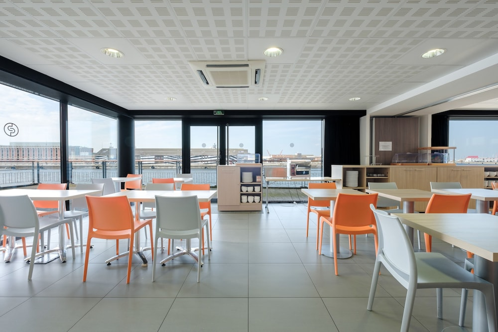 Breakfast Area, All Suites Appart Hotel Dunkerque