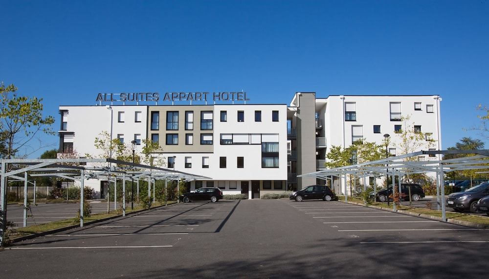 All suites appart hotel pau in pau nord hotel rates for Appart hotel suite