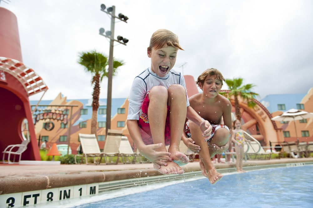 Outdoor Pool, Disney's Art of Animation Resort