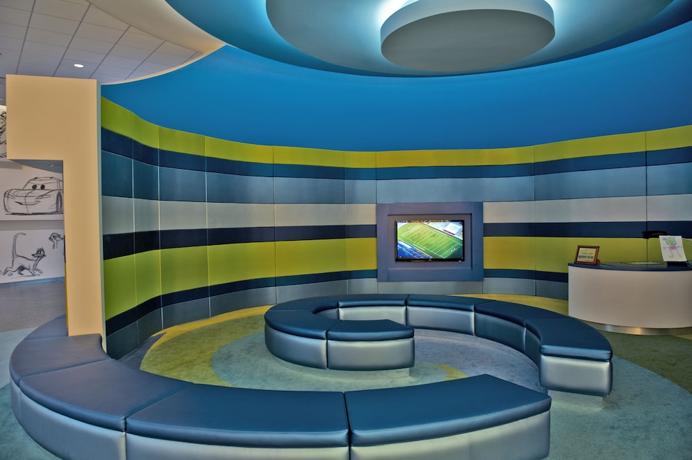 Lobby Sitting Area, Disney's Art of Animation Resort