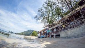 บนชายหาด, ผ้าเช็ดตัวชายหาด, ดำน้ำ, การดําน้ำสน็อกเกิล
