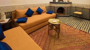 高級寢具、免費嬰兒床、摺床/加床 (收費)、免費 Wi-Fi