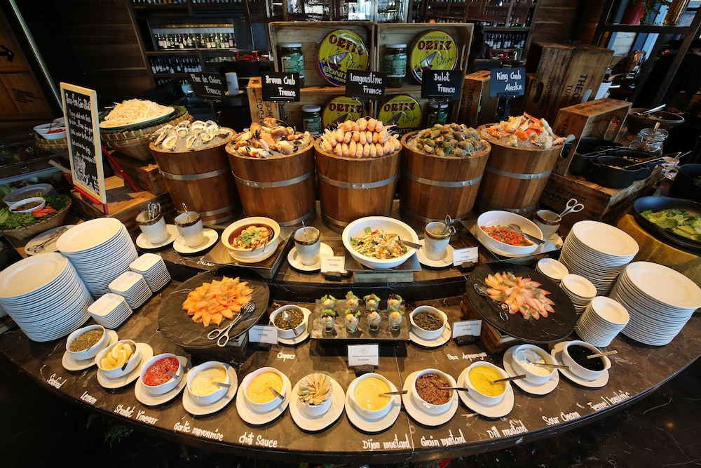 Buffet, SO/ BANGKOK
