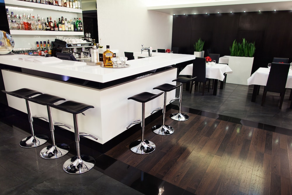 Bar, Queen Boutique Hotel