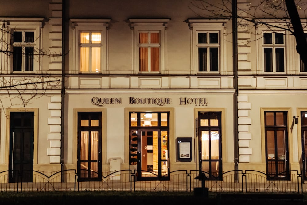 Building design, Queen Boutique Hotel