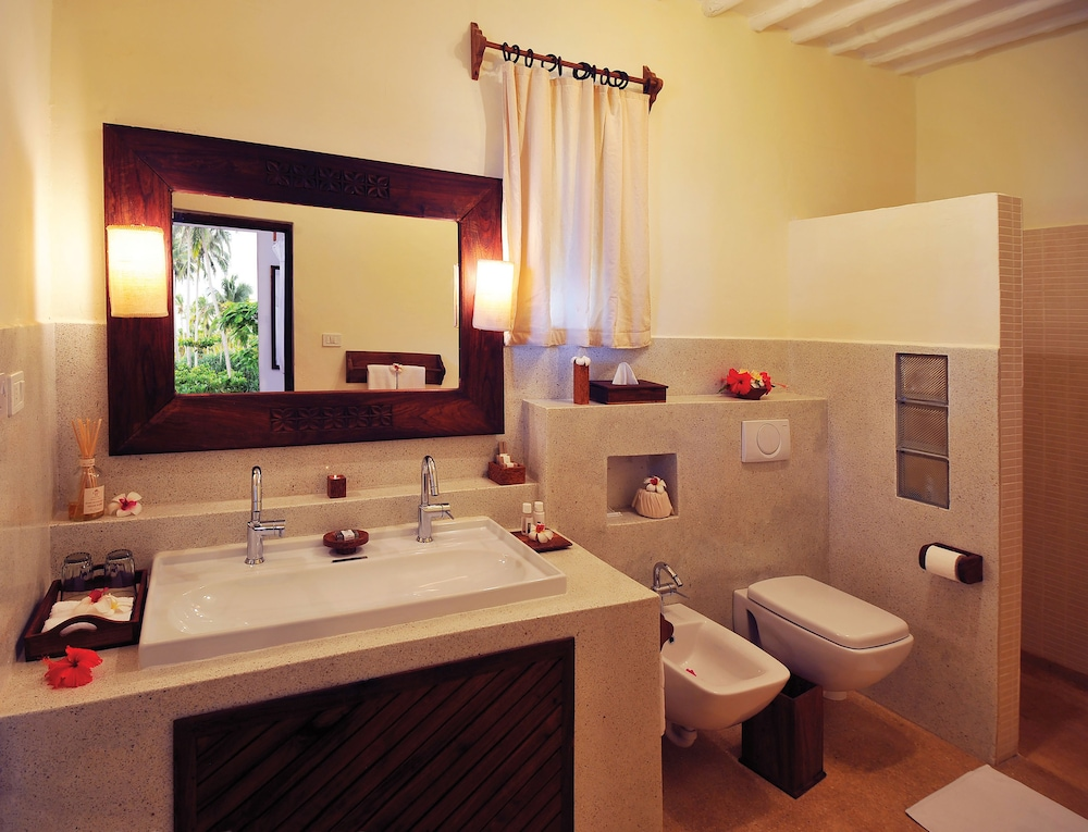 Bathroom, Diamonds Mapenzi Beach - All Inclusive