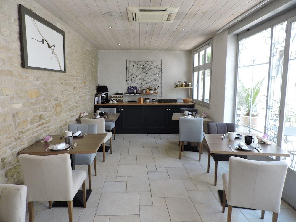 Boutique h tel les jardins d 39 ali nor le chateau d 39 oleron 2019 hotel prices - Les jardins d alienor chateau d oleron ...
