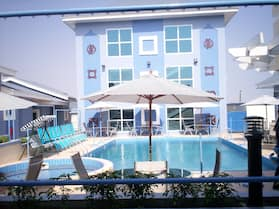 De Holiday Beach Hotel