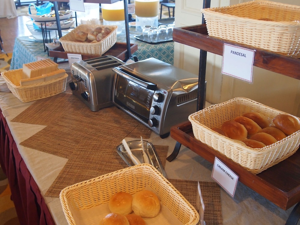 Breakfast buffet, Guam Reef Hotel