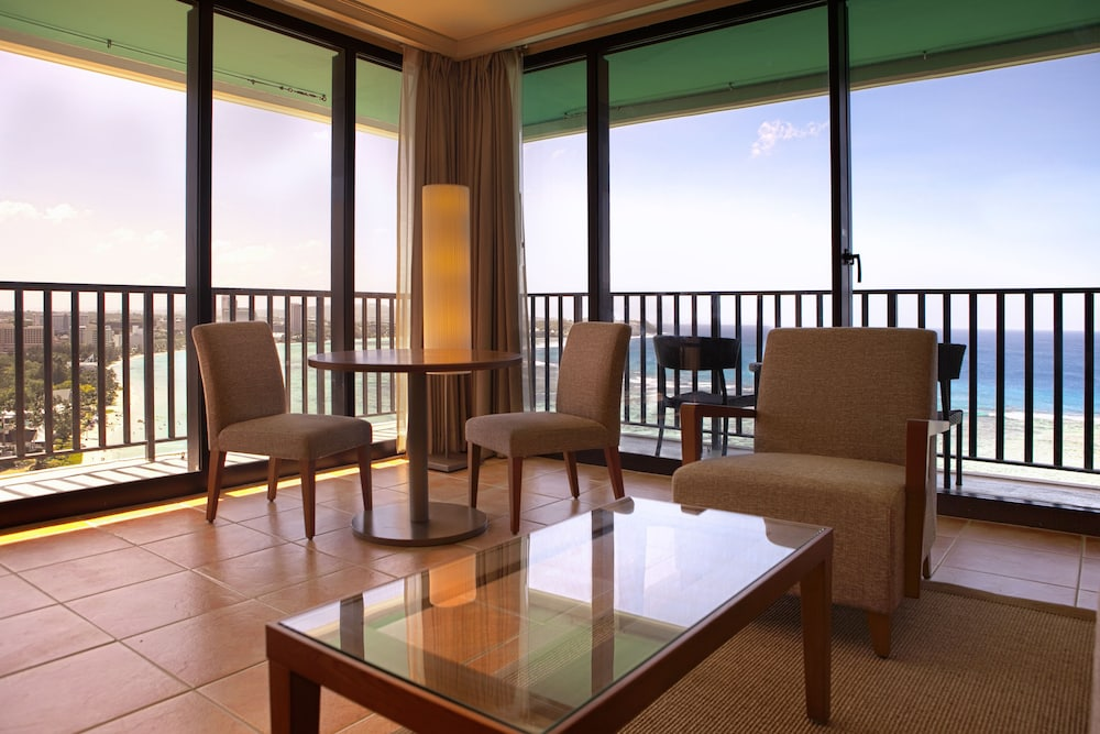 Living Area, Guam Reef Hotel