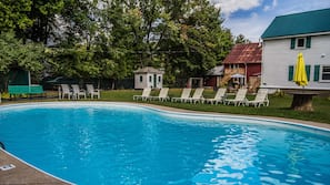 Outdoor pool, open 10 AM to 8 PM, sun loungers