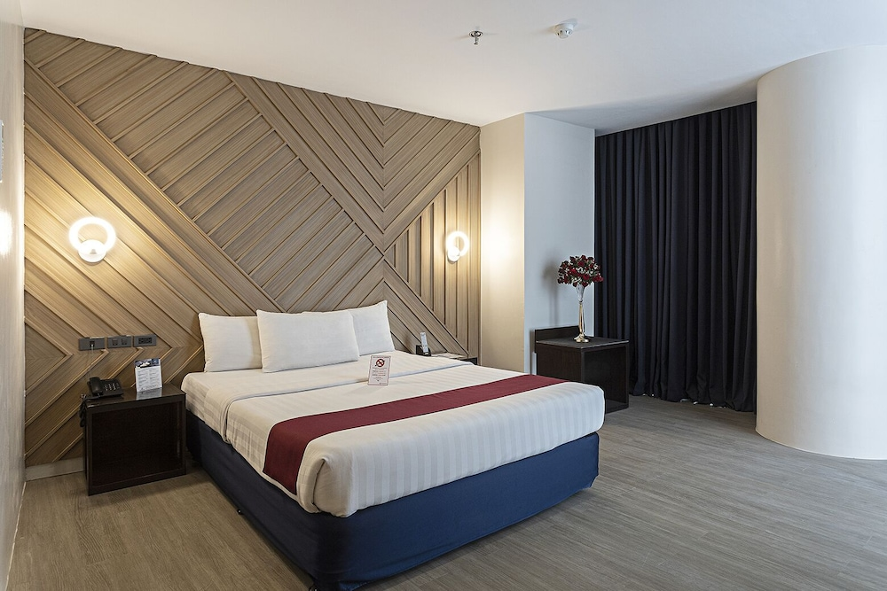 Room, Sarrosa International Hotel and Residential Suites