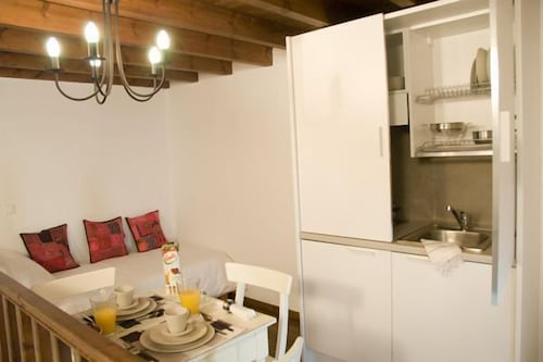 Private Kitchenette, Domus Studios