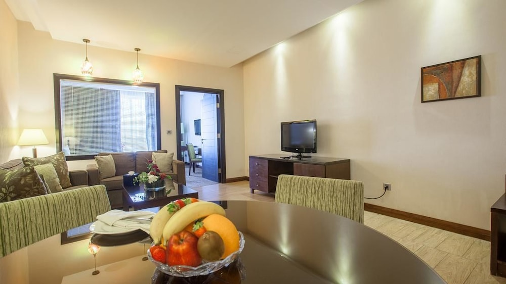 Ayass hotel in amman hotel rates reviews on orbitz for Living room amman