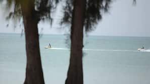 Playa privada, buceo con tubo, esquí acuático y windsurf