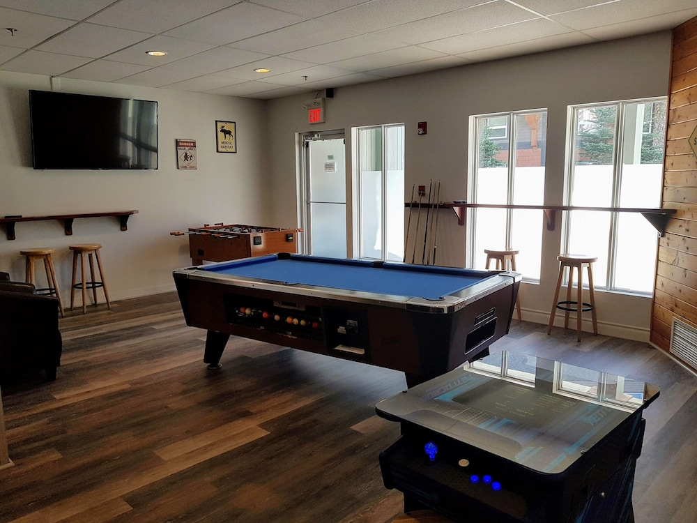 Billiards, Paradise Resort Club and Spa