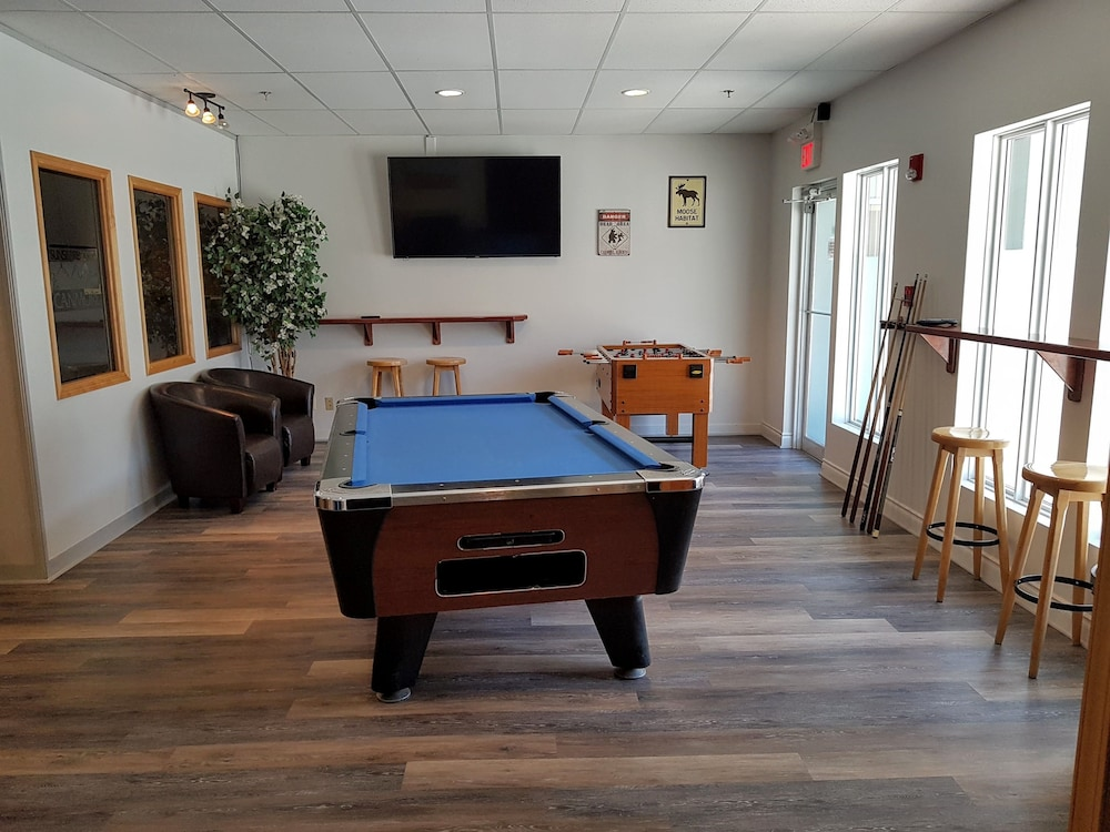 Game Room, Paradise Resort Club and Spa