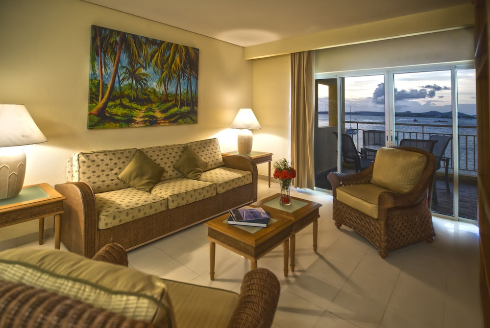 Living Room, The Villas at Simpson Bay Beach Resort and Marina