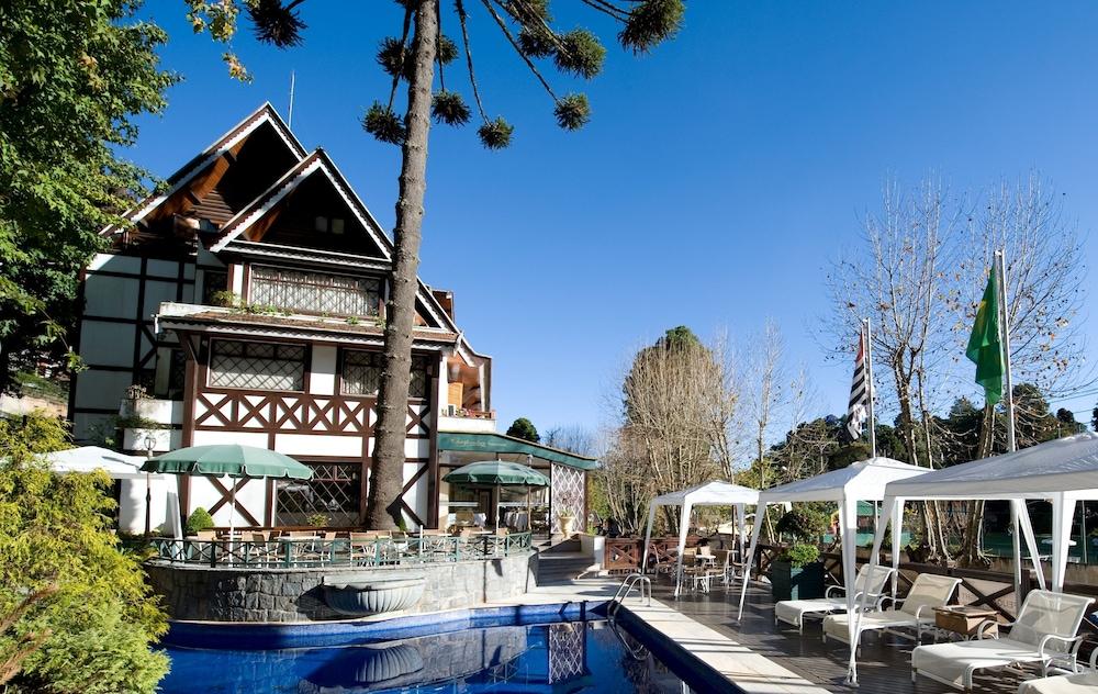 Hotel frontenac campos do jord o br sil - Hotel nice piscine sur le toit ...