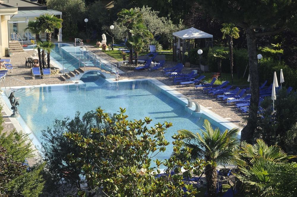 Hotel Petrarca Terme Piazza Roma Montegrotto Terme Pd