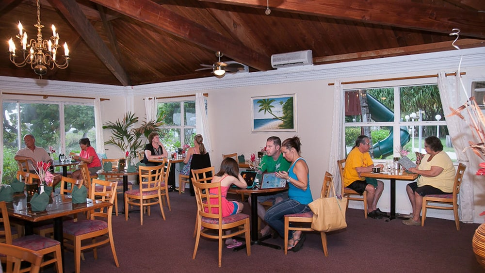 Restaurant, The Marlin at Taino Beach Resort & Clubs