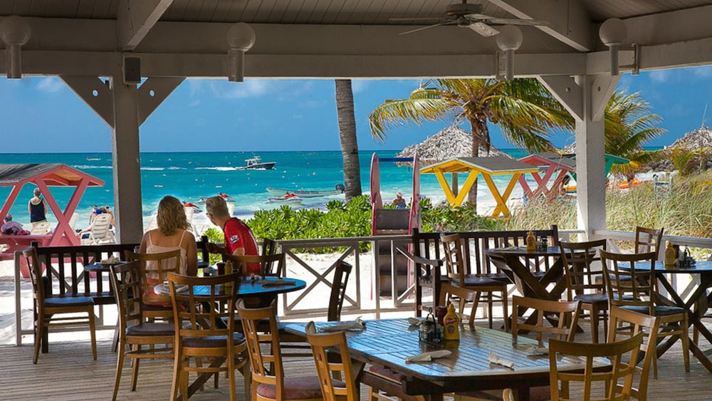 Outdoor Dining, The Marlin at Taino Beach Resort & Clubs