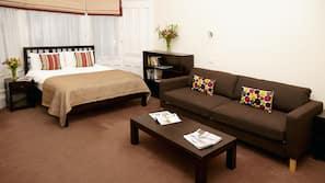 1 slaapkamer, luxe beddengoed, een bureau, gratis wifi