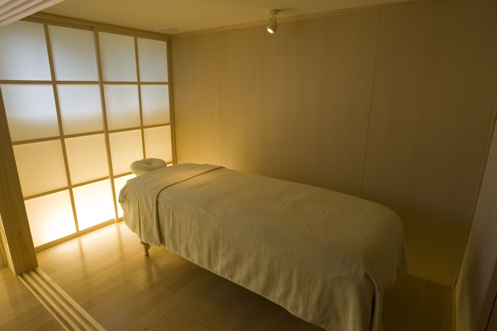 Treatment Room, Hotel Okada