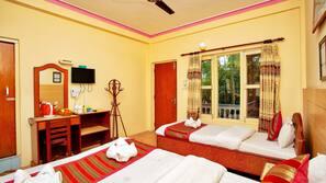 고급 침구, 메모리폼 소재 침대, 객실 내 금고, 각각 다른 스타일의 객실
