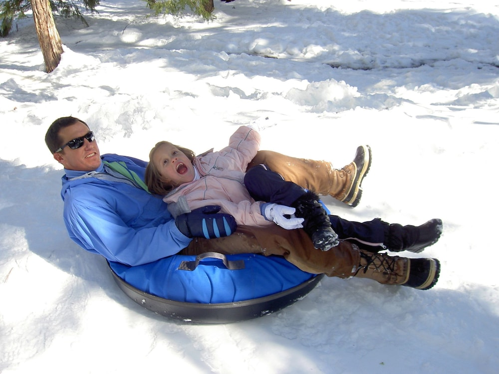 Snow tubing, Montecito Sequoia Lodge