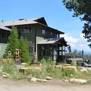 Montecito Sequoia Lodge
