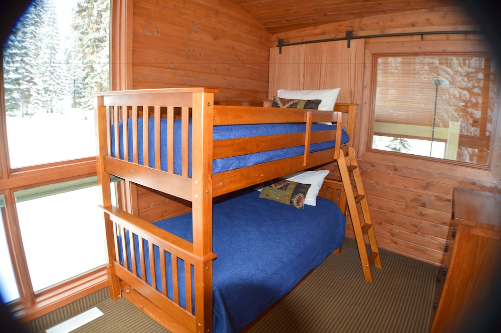 Children's Theme Room, Montecito Sequoia Lodge