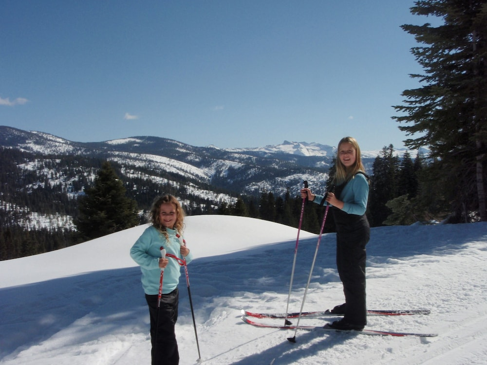 Snow and Ski Sports, Montecito Sequoia Lodge
