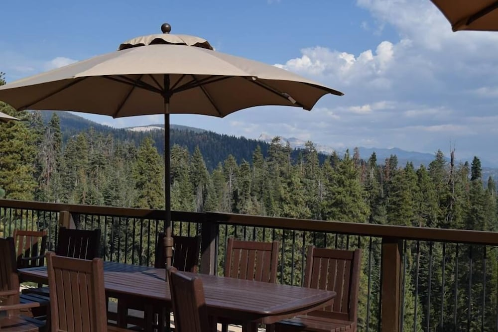 Terrace/Patio, Montecito Sequoia Lodge