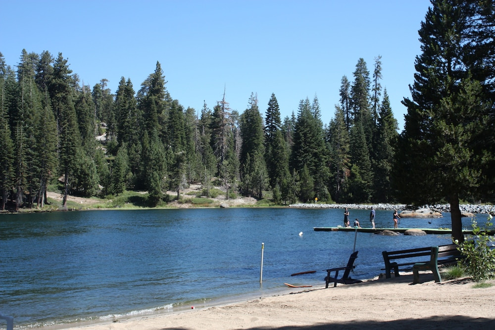 Lake, Montecito Sequoia Lodge