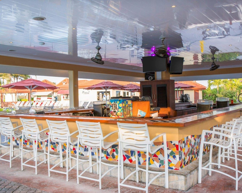 Poolside Bar, La Cabana Resort, Ascend Hotel Collection