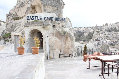 Castle Cave Hotel