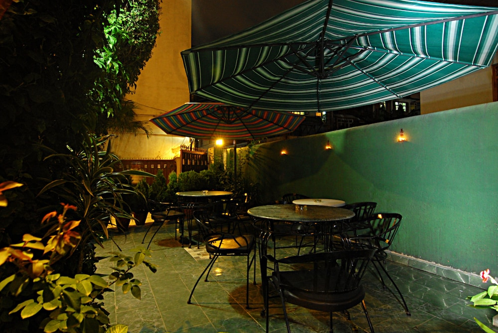 Outdoor Dining, Hotel Thamel