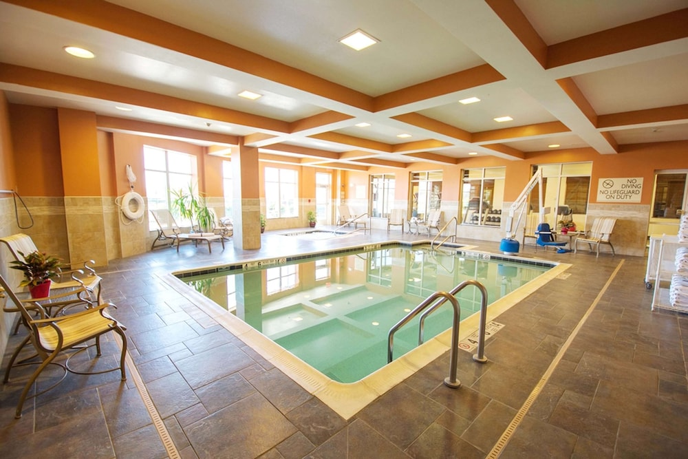 Pool, Hilton Garden Inn Watertown/Thousand Islands