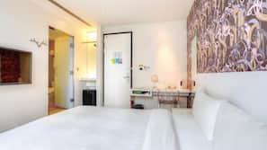 1 間臥室、保險箱、書桌、免費嬰兒床