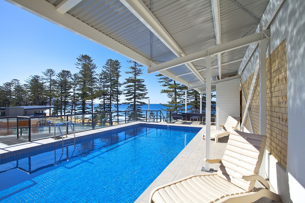 Pool, Manly Paradise Motel & Apartments