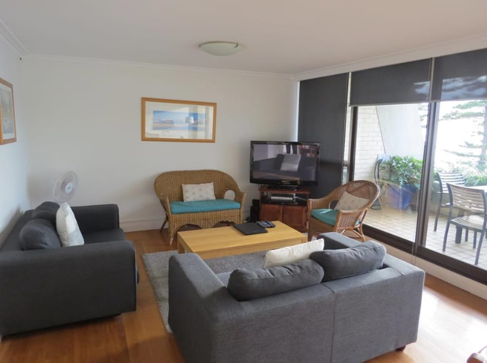 Living Area, Manly Paradise Motel & Apartments