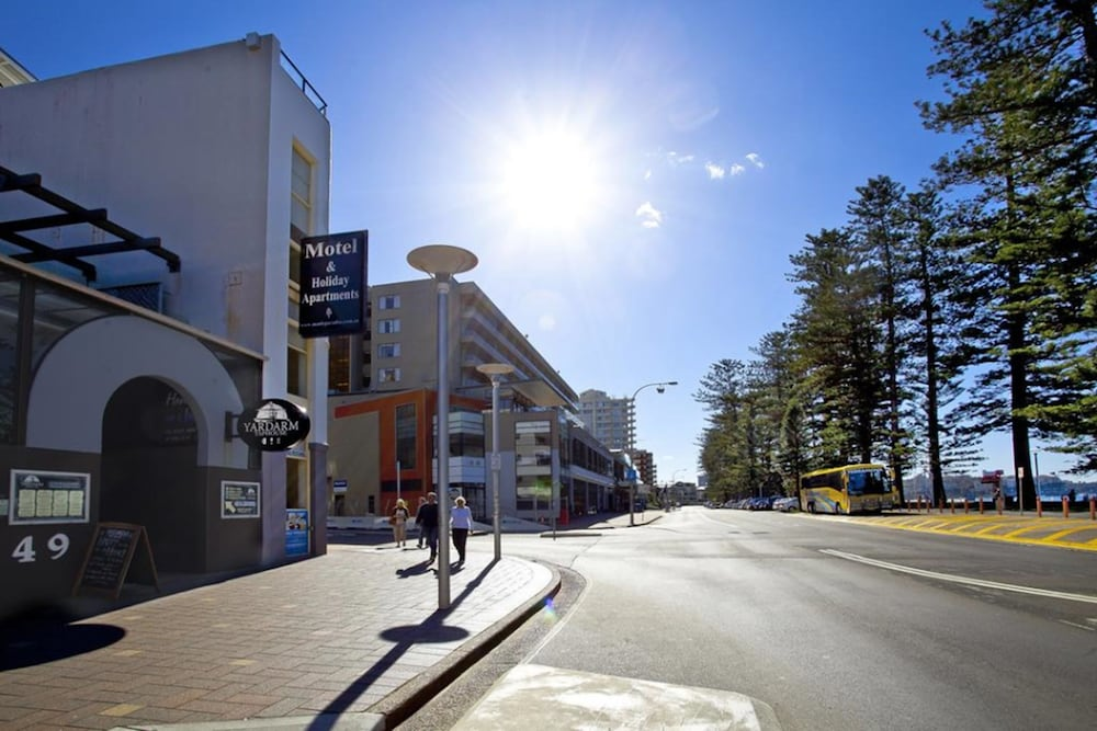 Front of Property - Evening/Night, Manly Paradise Motel & Apartments