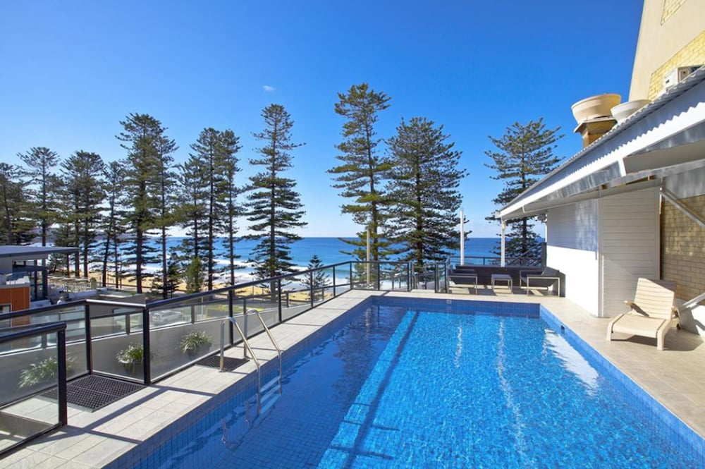 Outdoor Pool, Manly Paradise Motel & Apartments